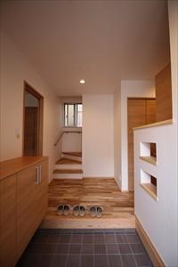 西原C棟 広島市 玄関ホール 床無垢フローリング 壁紙 和紙 ナチュラル 明るい