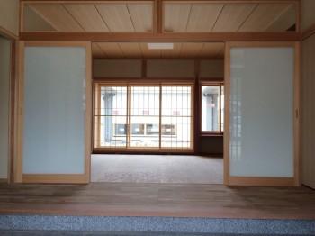 RC造 コンクリート平屋 フラット屋根 ログハウス コンクリート木造 体に優しい住宅 格子 玄関
