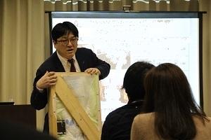 西野先生 中区民文化センター